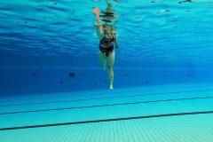 Langlaufpas vooraanzicht in het zwembad
