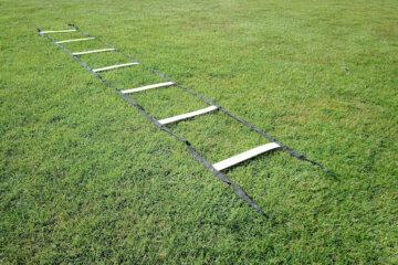 Trainingsladder op een sportveld